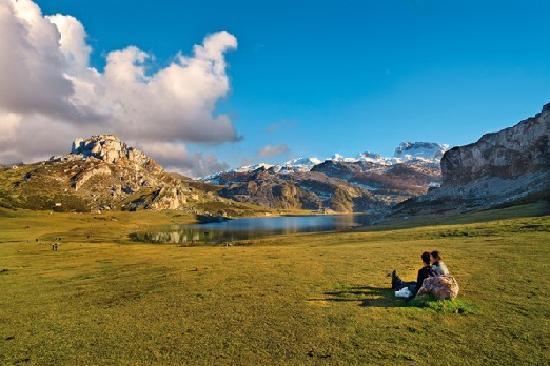 Asturias, España: Lagos de Covadonga, Parque Nacional de los Picos de Europa