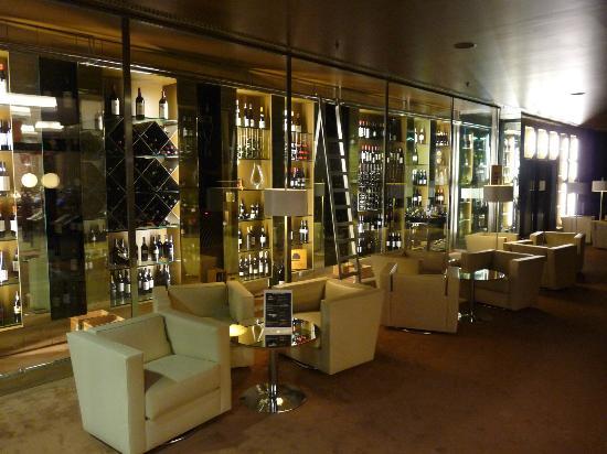 Porto Palacio Congress Hotel & Spa: magnifique cave de l'hôtel