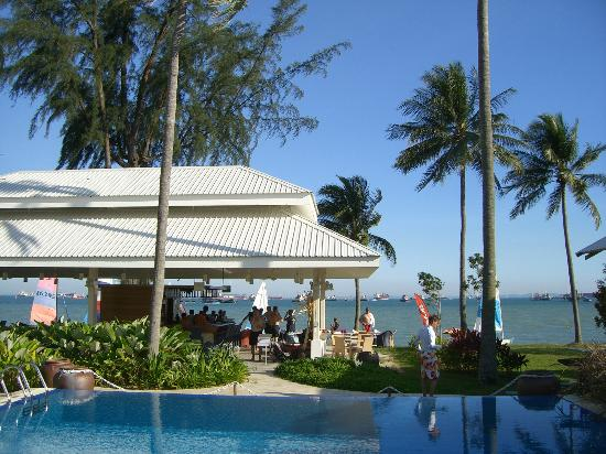 Mana Mana Beach Club Wedding