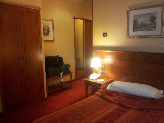 Windsor Hotel Milano: a room on the 3rd floor,spacious