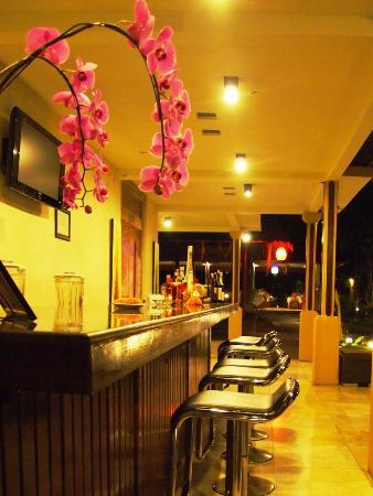 Saren Indah Restaurant: Bar