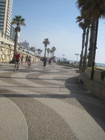 InterContinental David Tel Aviv: promenade by hotel