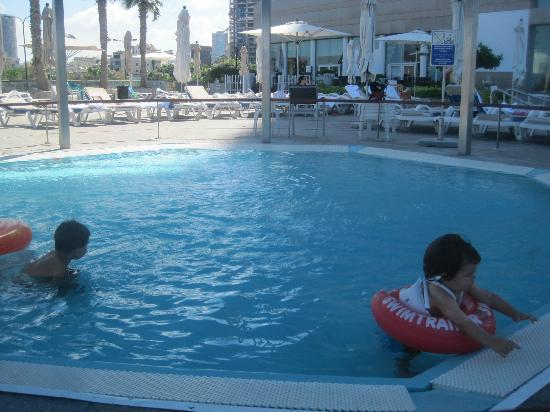 InterContinental David Tel Aviv: kid pool!
