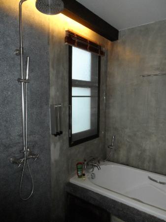 دي لانا هوتل: Doccia - bagno 