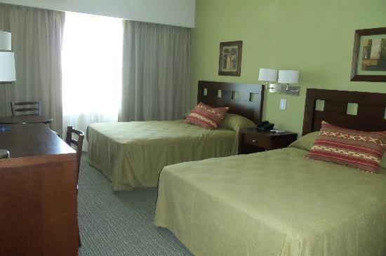 Howard Johnson Trenque Lauquen: Habitación Estándar con dos camas dobles