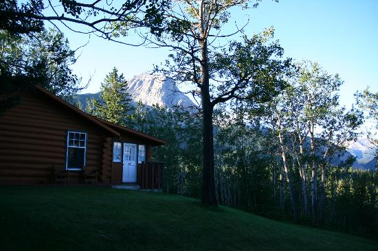 Overlander Mountain Lodge: Cottage