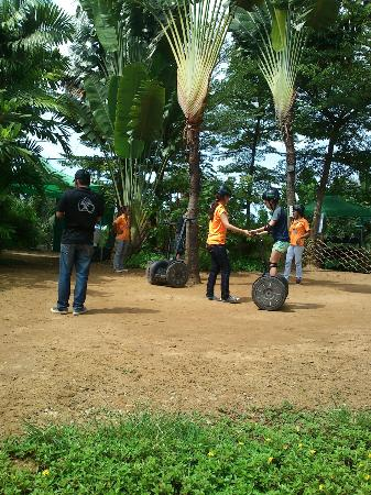Gogreen Segway Eco Adventure: Instruction time