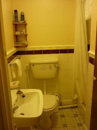 Dauncey's Hotel: En-suite bathroom