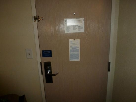 Motel 6 Boston North - Danvers: Door