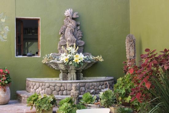 La Casa del Atrio: Fountain in dining area