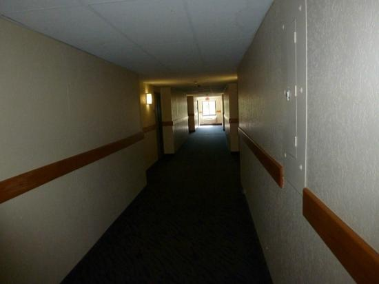 Motel 6 Boston North - Danvers: Corridor
