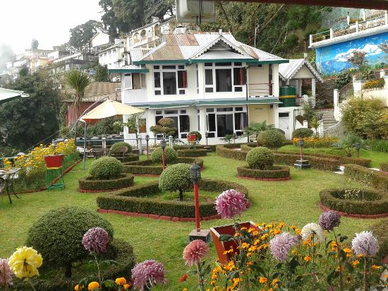 Central Heritage Resort and Spa, Darjeeling: One side of the Hotel