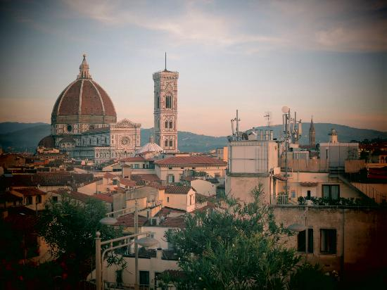 Grand Hotel Baglioni Firenze: view from terrace of the duomo