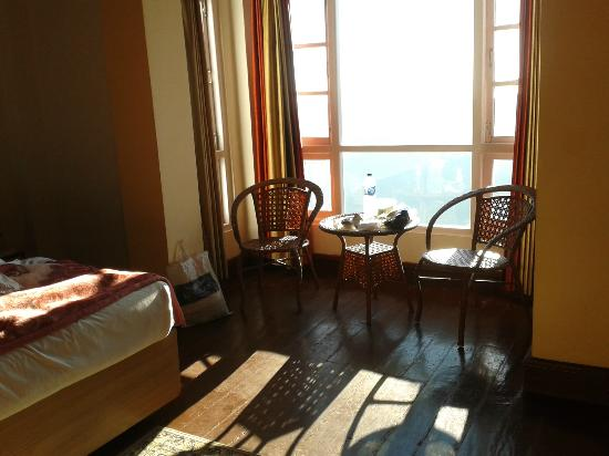 Central Heritage Resort and Spa, Darjeeling: interior of a room