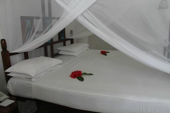Sandies Tropical Village: Bed 2