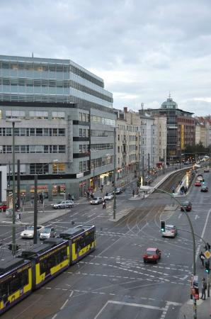 Hostel Aloha: Rosa Luxemburg Platz - Tram, Metro, Bus, supermarket, pharmacy, shopping, bars, restaurants, etc