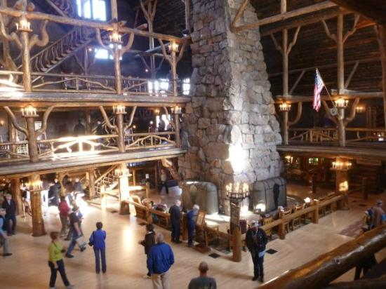 Old Faithful Inn: Lobby and Fireplace