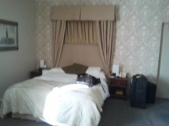 Room at the Mercure Salisbury White Hart Hotel