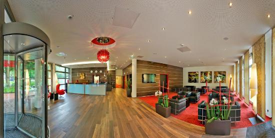 BEST WESTERN Amedia Hamburg: Reception & Lobby