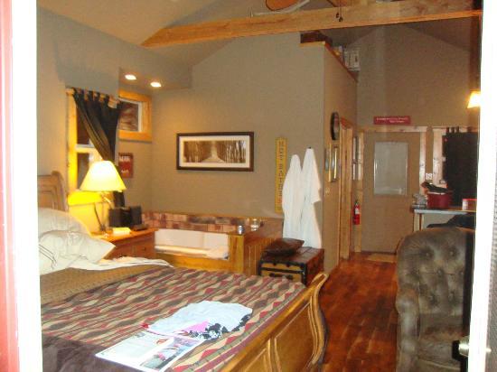 Eureka Sunset Cabins: the cabin