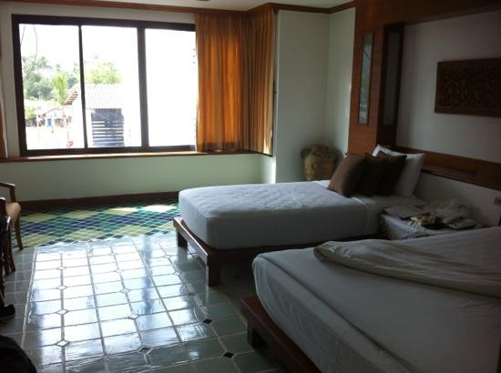 Chaweng Cove Beach Resort: room