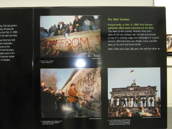 Newseum – Muzeum Newsów i Dziennikarstwa: The Fall of the Berlin Wall