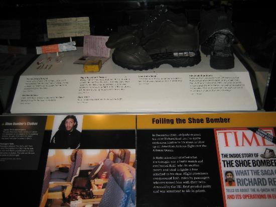 Музей журналистики и новостей: Shoe Bombers actual shoe