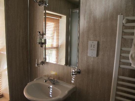 Loch Ness Inn: baño