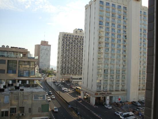 Leonardo Beach Tel Aviv Hotel: TEL AVIV Vue depuis la chambre LEONARDO BASEL Octobre 2012