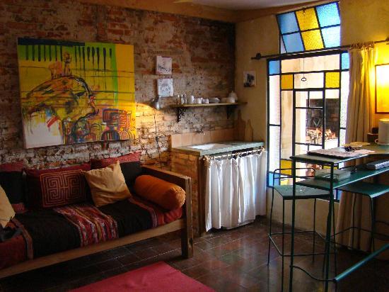 Colonia Suite Apartments: suite garden room