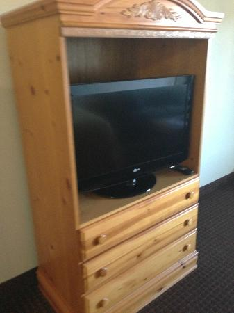 Quality Inn & Suites at Dollywood Lane: TV