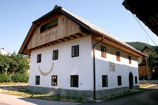 Kajžnk House