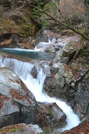 Nishizawa Valley: 三重の滝