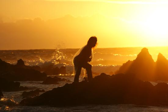 Oahu Photography Tours: Sandy's Beach at sunrise