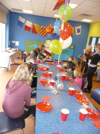 Great Lakes Children's Museum : Birthday party room!