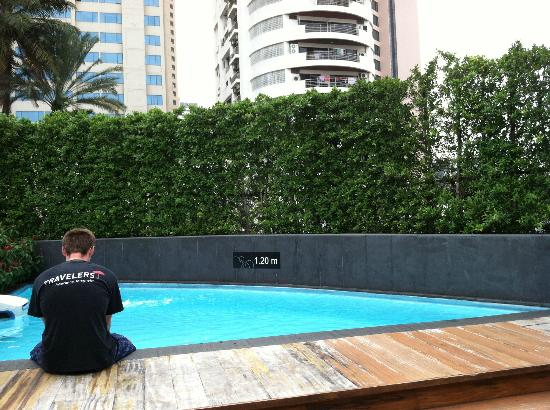BEST WESTERN PLUS @ 20 Sukhumvit: the very small pool