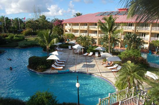 Sandals Grande St. Lucian Spa & Beach Resort: Quiet pool by room