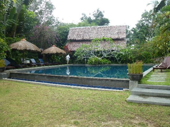 ไทเกอร์ ร็อค: Pool House where the dining area is