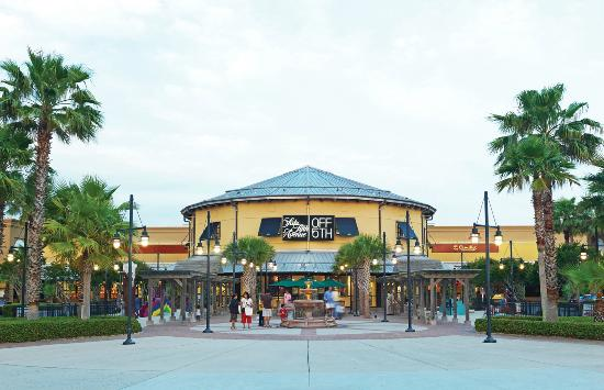View an interactive 3D center map for Silver Sands Premium Outlets® that provides point-to-point directions along with an offline mall map.