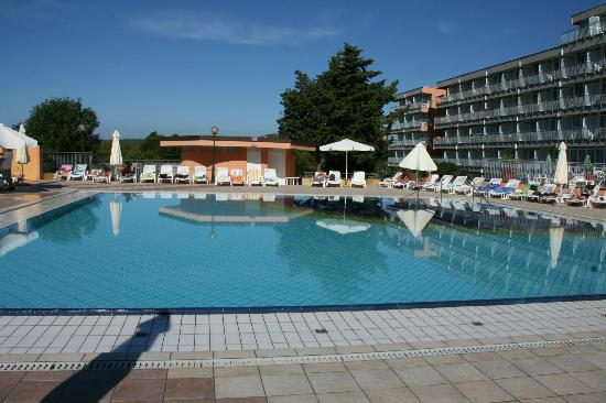 Holiday Hotel: piscine