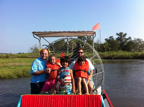 Sunset Isle RV Resort & Motel: FLYING FISH AIRBOAT TOUR!