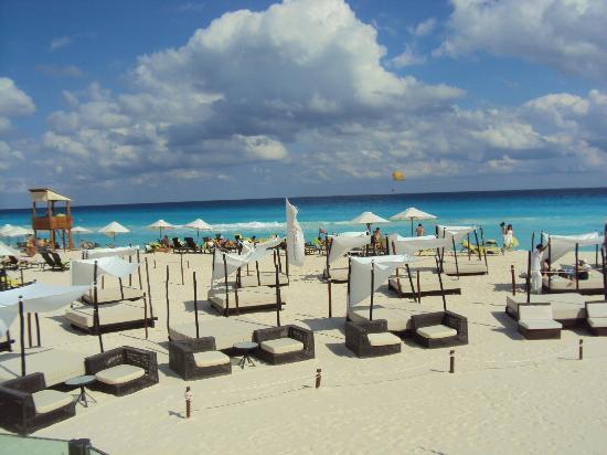 ME Cancun: Playa 