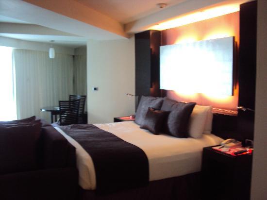 ME Cancun: Habitación
