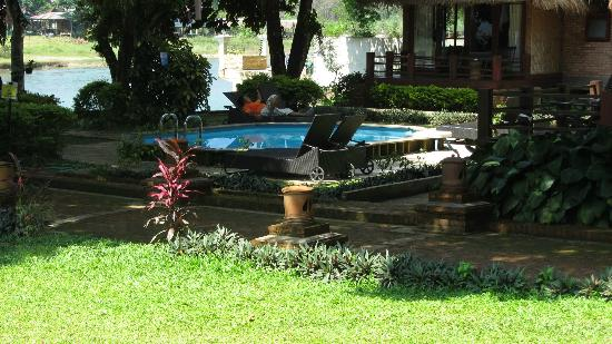 Ban Sabai Riverside Bungalow: pool