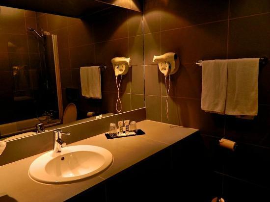 Mercure Bordeaux Lac : Baño