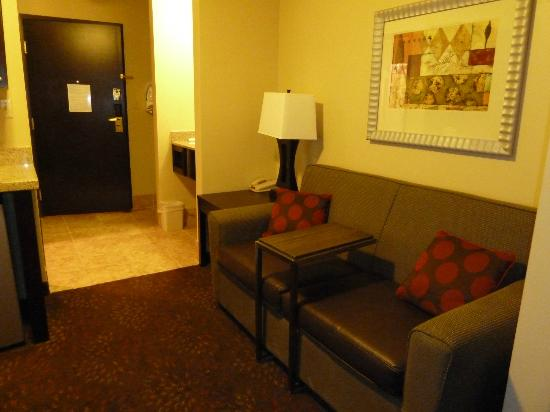 Holiday Inn Express & Suites Phoenix Tempe University: King Suite