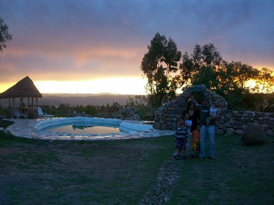 Baños Plantas Medicinales:del Inca, con sus piedras volcanicas y sus 12 plantas medicinales