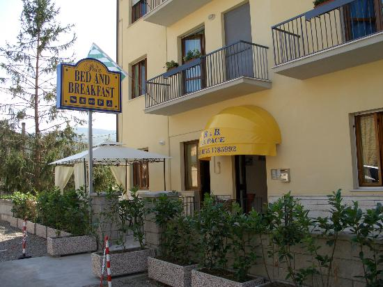 Bed & Breakfast La Pace: Esterno / Front / Externe