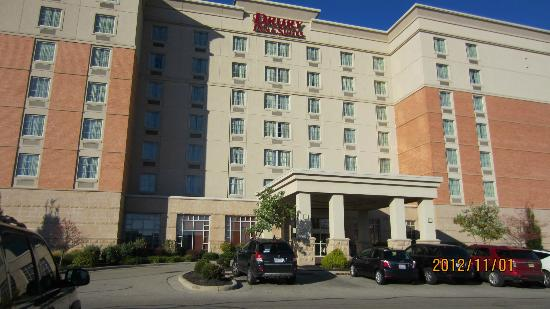 Drury Inn & Suites Dayton North: Hotel