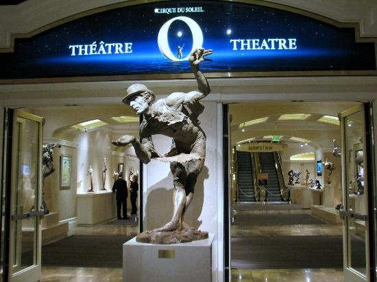 Art of Richard MacDonald: Richard MacDonald Gallery located at the O Theater in the Bellagio